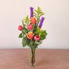 Image result for bud vase arrangements Wild Flower Arrangements, Bud Vases, Wild Flowers, Planting Flowers, Glass Vase, Plants, Image, Ideas, Floral Arrangements