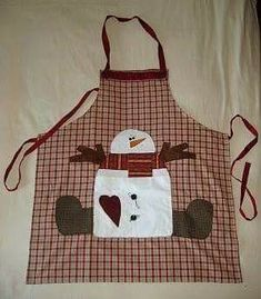 Apron for christmas Más Más Christmas Aprons, Christmas Sewing, Christmas Projects, Holiday Crafts, Christmas Crafts, Crafts To Make And Sell, Diy And Crafts, Sewing Crafts, Sewing Projects