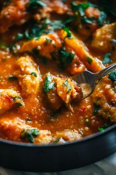 One Pot Spanish Chicken and Potatoes #healthy #chicken #recipes