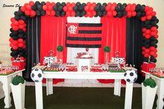 Oiiii Festinha do Flamengo!!! Olhem como ficou lindo e harmonioso, mesmo com cores tão fortes!! O local escolhido foi o Damásio Es...
