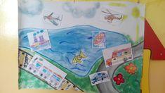 Dopravne prostriedky.  Deti dostali za ulohu vyfarbit dopravne prostriedky a pomocou sucheho zipsu ich spravne umiestnit na velky plagat, na ktorom je znazornena voda, obloha/vzduch, cesta a kolajnice.  Narocnost 3-4 rocne deti.