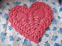 This is so clever! A Danish heart pattern and tutorial..