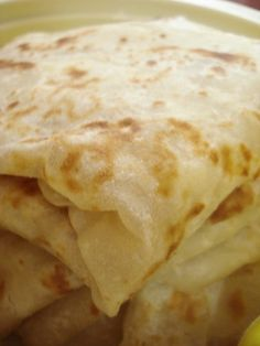 Farata, the Mauritian derivative of paratha, is a kind of layered pan fried flat bread. It is part of our rich cultural heritage and is now deeply rooted in Mauritian cuisine along with its counter… Indian Food Recipes, Vegetarian Recipes, Cooking Recipes, Bread Recipes, Indian Foods, African Recipes, Rice Recipes, Delicious Recipes, Mauritian Food
