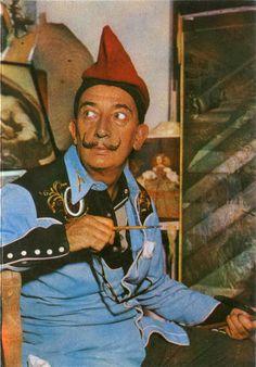 La Barretina Catalana - Salvador Dalí.
