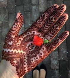 Leafy patterns and tiny hearts simple mehndi design. Palm Henna Designs, Palm Mehndi Design, Indian Henna Designs, Basic Mehndi Designs, Mehndi Designs For Beginners, Mehndi Design Pictures, Mehndi Designs For Girls, Wedding Mehndi Designs, Beautiful Mehndi Design