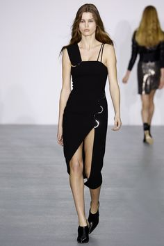 David Koma Fall 2016 Ready-to-Wear Fashion Show