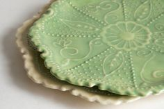 Vintage Style Platter Lime Green Tea Party Ceramic par GiselleNo5