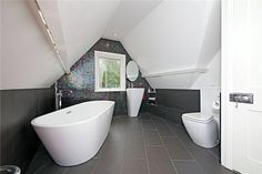 Bathroom goals!! #glitter