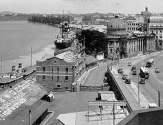 Brisbane River and Customs House, Queen St, Petrie Bight, 1932