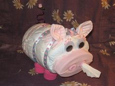 diaper pig! if i dont make this for my cousins baby someday I will no longer be her cousin. and that's the nice way of saying it!