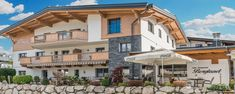 Cafe Bergland Appartement   Ellmau am Wilden Kaiser Cafe Restaurant, Wilder Kaiser, Mansions, House Styles, Home Decor, Family Vacations, Environment, Cottage House, Decoration Home