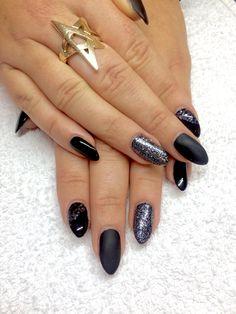 Cnd smoothing gel brisa Cnd shellac Black pool Color nails silver glitter nailart