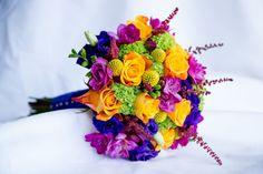 Pozytywne Inspiracje Ślubne: Róże eustomy i frezje w bukietach ślubnych