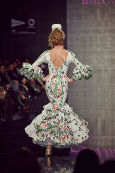 55815-traje-flamenca-lunares-varios-colores-2.jpg