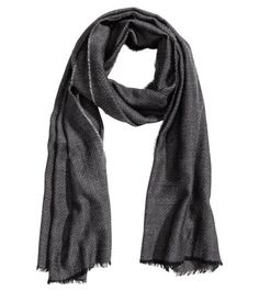 Dark gray. Scarf in airy woven fabric with a herringbone pattern. Frayed edges…