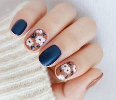 How to Paint Flowers on Nails Step by Step - Beauty Stylo Nail Care Tips, Nail Tips, Strong Nails, Healthy Nails, Flower Nails, You Nailed It, Fit, Flowers, Painting