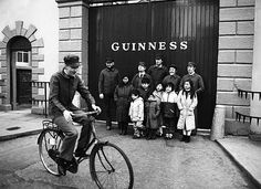 The Chieftains at Guinness Brewery 1983 by Irish Photo Archive Old Pictures, Old Photos, Guinness Brewery, Irish Beer, Beer Photos, Premium Beer, Irish People, Elderly Activities, Pub Decor