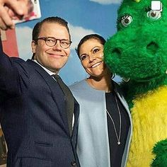 Daniel and Victoria today at SVT (swedish television) #kronprinsessan #kronprinsessanvictoria #crownprincess #crownprincessvictoria #victoria #prinsdaniel #princedaniel #daniel #royalcouple #sweden #swedish #swedishroyals #swedishprincess #swedishroyalfamily #sverige #svenskprinsessa #svenskakungahuset #svenskakungligheter #svenskakungafamiljen #royals #royalfamily #bernadotte #kungahuset #kungafamiljen