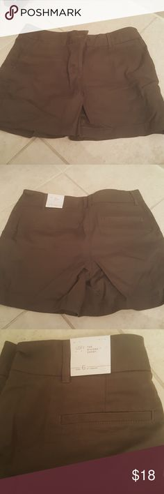 LOFT Olive green Riviera shorts. size 6. NWT. LOFT Olive green Riviera shorts. size 6. NWT. LOFT Shorts
