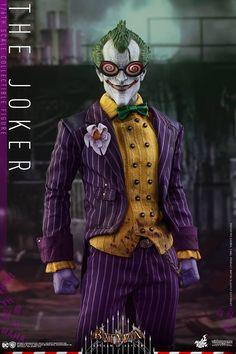 Hot Toys Batman: Arkham Asylum The Joker Sixth Scale Figure