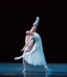 Evgenia Obraztsova and Vladislav Lantratov in Romeo and Juliet © Gene Schiavone