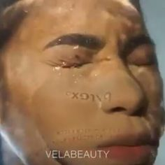 Well  this is new....  watch @vela REMOVE EXCESS POWDER after baking without budging her makeup underneath #teeka4
