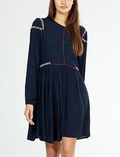 Robe folk crêpée avec broderie Femme à 25,00€ - Découvrez nos collections mode à…