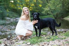 Melissa R Berry Photography | Senior Girl Portrait | Senior Pictures Pose | Photos With Dog