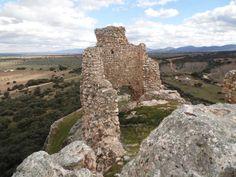"""NAVAHERMOSA (TOLEDO). Castillo de """"Dos Hermanas"""" (dentro del castillo)."""