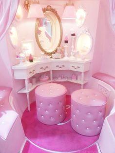 Pink Vanity ✿⊱╮