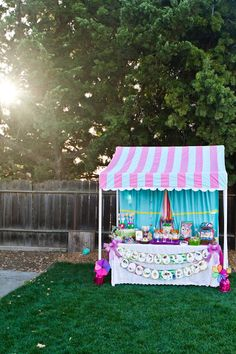 Miss Party Mom& How-To PVC Canopy Tutorial.Reduce scale for shaded Lemonade stand for kiddos Pvc Canopy, Backyard Canopy, Fabric Canopy, Canopy Outdoor, Canopies, Canopy Crib, Hotel Canopy, Canvas Canopy, Window Canopy