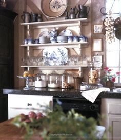 great idea for butler pantry organization Charles Faudree French Interior, French Decor, French Country Decorating, French Country Cottage, French Country Style, Kitchen Butlers Pantry, Butler Pantry, Kitchen Shelves, French Kitchen
