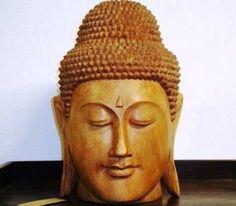 Cabeza de Buda tallada amano en un bloque de madera Suar www.outletcolonial.com