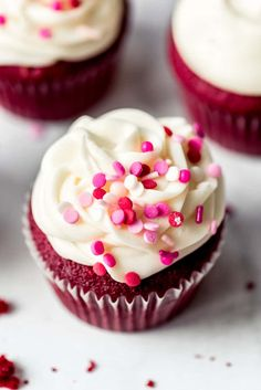 Red Velvet Cupcakes are irresistible any time of the year, but especially fitting for Valentine's Day, July 4th, or Christmas celebrations! With an eye-catching color, and a hint of chocolate, and topped with an addictive rich and tangy cream cheese frosting, these will become an all-occasion favorite! #cupcakes #redvelvet #best #easy #cake #homemade #moist #creamcheesefrosting #creamcheese #fromscratch #dessert Easy Red Velvet Cupcakes, Red Cupcakes, Cupcakes With Cream Cheese Frosting, Chocolate Cupcakes, Chocolate Flavors, Cupcake Cakes, Best Vanilla Cupcake Recipe, Cupcake Flavors, Cupcake Recipes
