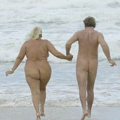 Nude college girls streaking