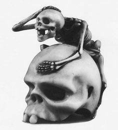 Skull and skeleton netsuke