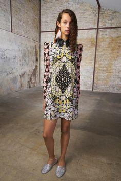 https://www.vogue.com/fashion-shows/spring-2018-ready-to-wear/giamba/slideshow/collection