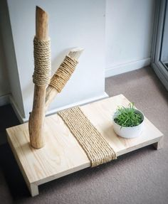 47 Brilliant Easy Homemade DIY Cat Toys for Your Furry Frien Brilliant Easy Homemade DIY Cat Toys for Your Furry Friend Cat furniture cat scratcher cat toy cat middle Cat Plants, Cat Grass, Diy Cat Toys, Cat Playground, Cat Shelves, Cat Scratching Post, Cat Scratcher, Cat Room, Pet Furniture