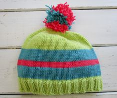 FaveHat free hat knitting pattern Knitting Paterns, Arm Knitting, Knitting Designs, Knitting Projects, Crochet Projects, Crochet Patterns, Hat Patterns, Easy Knit Hat, Cable Knit Hat