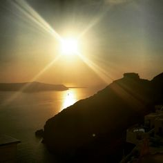 What a way to end a full day. Imerovigli Santorini, Santorini Sunset, Santorini Island, Santorini Greece, Volcanic Rock, Greek Islands, Beautiful Sunset, Sunsets, Paths