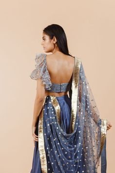 6 Indian Blouse Designs That Make For Perfect Bridal Inspiration For You, Straight Off The Runway Indian Bridal Outfits, Indian Designer Outfits, Indian Dresses, Designer Dresses, Indian Clothes, Desi Clothes, Sari Blouse Designs, Fancy Blouse Designs, Lehenga Designs