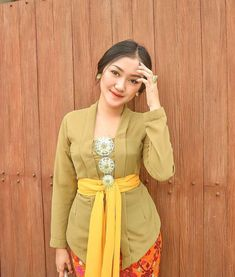 Kebaya Modern Dress, Kebaya Dress, Beautiful Model Girl, Kebaya Bali, Kebaya Brokat, Model Kebaya, Indonesian Girls, High Fashion, Womens Fashion