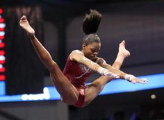 Gabby Douglas turned in four solid routines to tie for the all-around lead at U.S. nationals.    usatoday.com