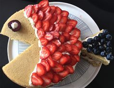 Gâteau poisson aux fraises, pour un anniversaire tout en fraîcheur et sans pâte à sucre !