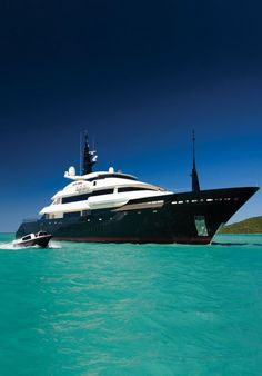Amazing black and white #superyacht design. Idea to #TransformYourYacht with #WGI.