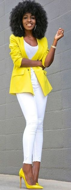 Vintage Style Vintage Yellow Blazer White Tank White Jeans - Outfit Details: Blazer (Vintage): Similar here (on sale), here or here All White Party Outfits, Trendy Summer Outfits, Formal Outfits, White Fashion, Modern Fashion, Daily Fashion, Spring Fashion, Fashion Trends, How To Wear Blazers