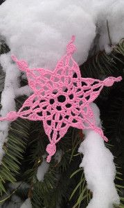 Make magic ring. Round 18 sc in ring, sl st in first sc. Round Ch 1 dc in same stitch. *Ch skip 2 sc, 2 dc in next sc*. End with sl st . by althea Crochet Snowflake Pattern, Crochet Stars, Crochet Snowflakes, Thread Crochet, Crochet Motif, Crochet Angels, Free Crochet, Snowflake Craft, Snowflake Ornaments