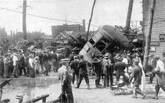 Mill Creek flood of August 3rd, 1915 ------ East 26th Street car overturned at 18th and French Streets