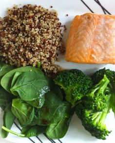 A Super Food Dinner! Quinoa, Salmon, Baby Spinach, and Broccoli! Make this for the family tonight