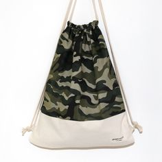 Drawstring Bags, Bag Design, Tote Bags, Project Ideas, Camouflage, Sewing Crafts, Gym Bag, Backpacks, Gift Ideas